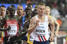 Sondre Nordstad Moen gir her en vanlig mosjonist råd om hvordan han kan trappe opp treninga og forbedre løpsformen. (Foto: Bjørn Johannessen)