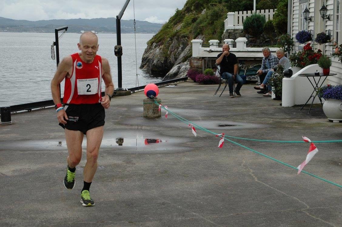 Inge Asbjørn Haugen logger en ny maraton på Møkster i 2017, er på plass igjen i 2018. (Foto: Arild Sunde)