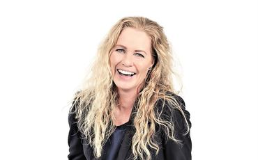 Cecilie Lone er mentaltrener og foredragsholder, og har i mange år jobbet med idrettsutøvere, idrettslag og bedrifter. Hun