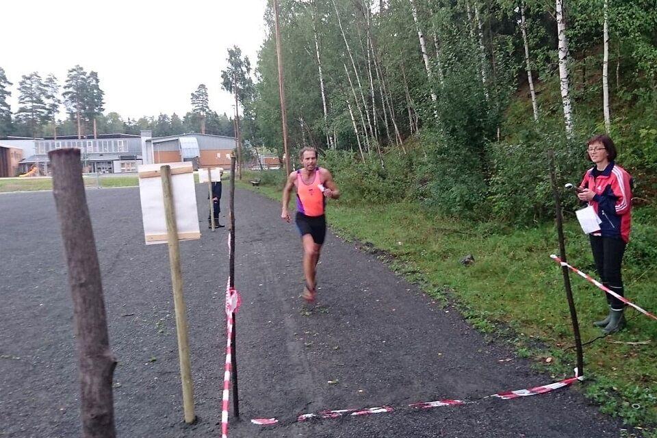 Jan Erik Mathiassen mot mål i en Gå-jogg på Greveløkka i 2018. (Foto: Thomas Pedersen)