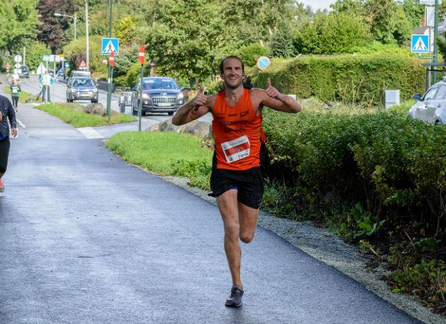 Thomas Asgautsen fra Spirit friidrett seiret med solid margin på maraton distansen. Foto: Øyvind Andersen Stavanger Fotoklubb.