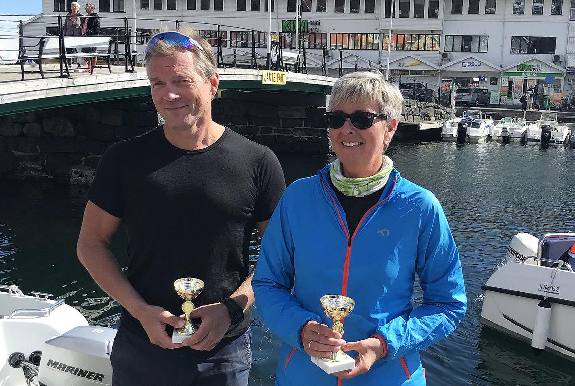 Vinnerne Gunnar Berg og Kristin Gunstensen i Kragerø kajakkløp sitt testløp. (Foto: arrangøren)