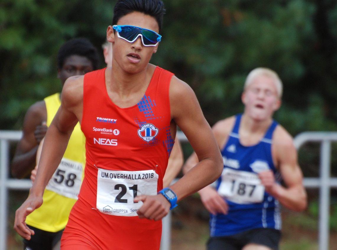 Kristoffer Sagli fra Aure IL løp inn til to gull i G16 i UM. 800 meter lørdag og 3000 meter søndag. (Foto: Arrangøren)