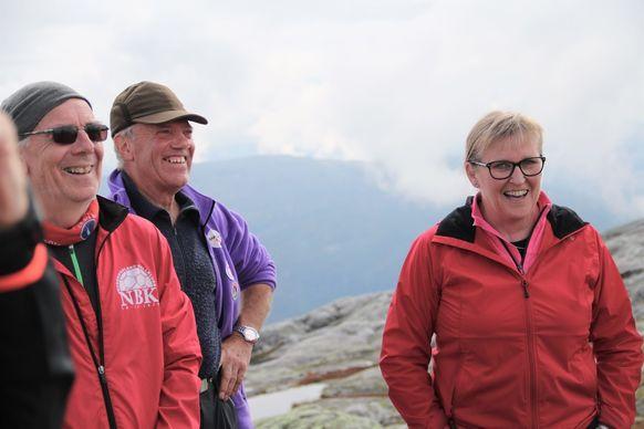 Jan Ivar Berge (i midten) trivest aller best til fjells. Her saman med Magnus Sæverås (t.v.) og Bjørg Haldis Seljelid.