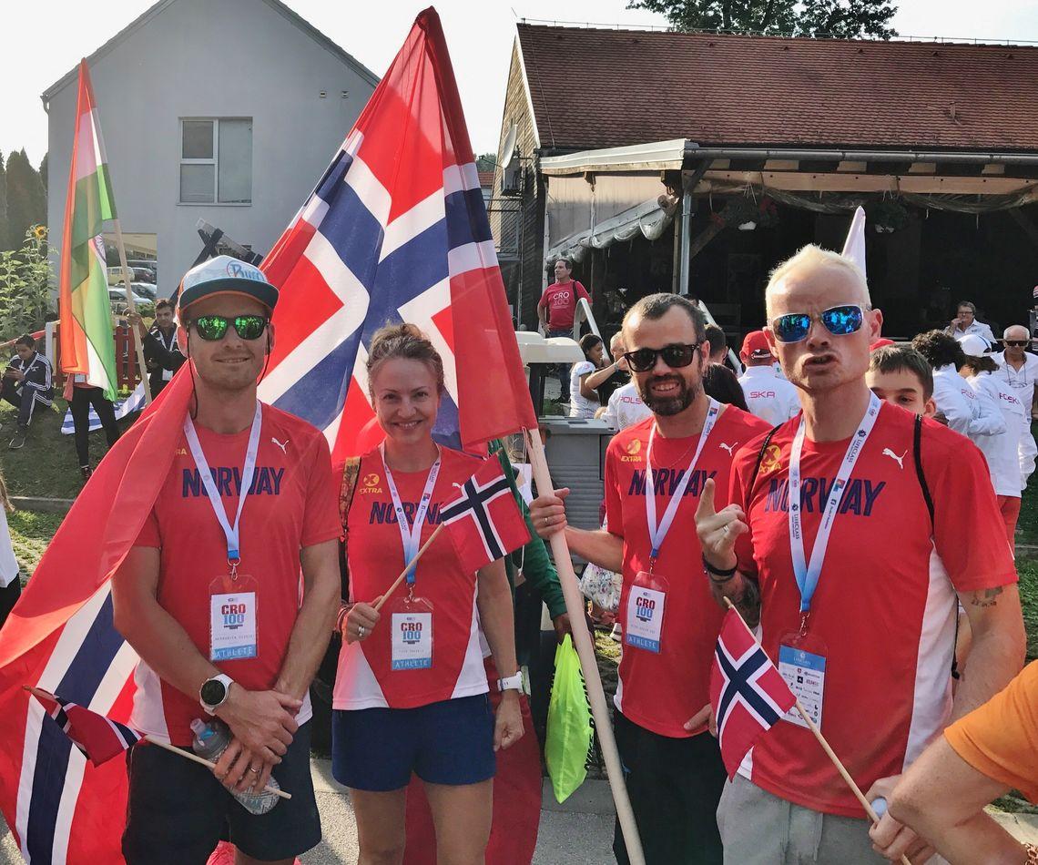 Norske deltagere under innmarsjen på siste ultraløpsmesterskap, VM 100 km i Kroatia 8. september (Foto: Tommy Kristiansen)