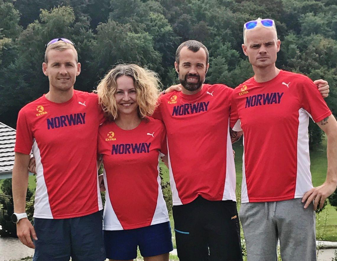 Didrik Hermansen, Therese Falk, Svein-Ove Risa og Bjørn Tore Kronen Taranger er klare til start i VM 100 kilometer lørdag klokken 07:00.