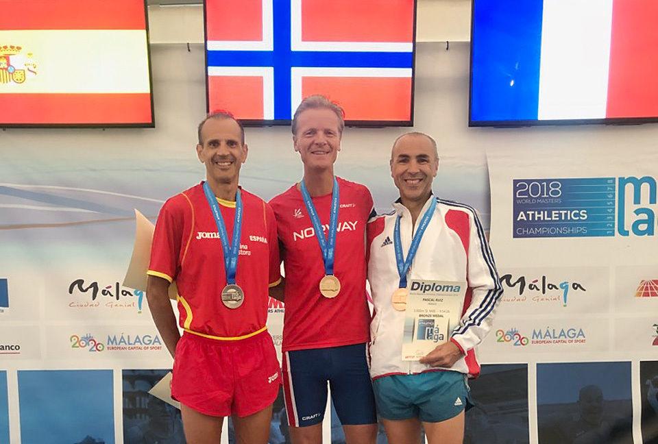 VM for veteraner: Nils Kristian Heggheim vant 3000 m hinder i Malaga fredag ettermiddag. (Foto: privat)