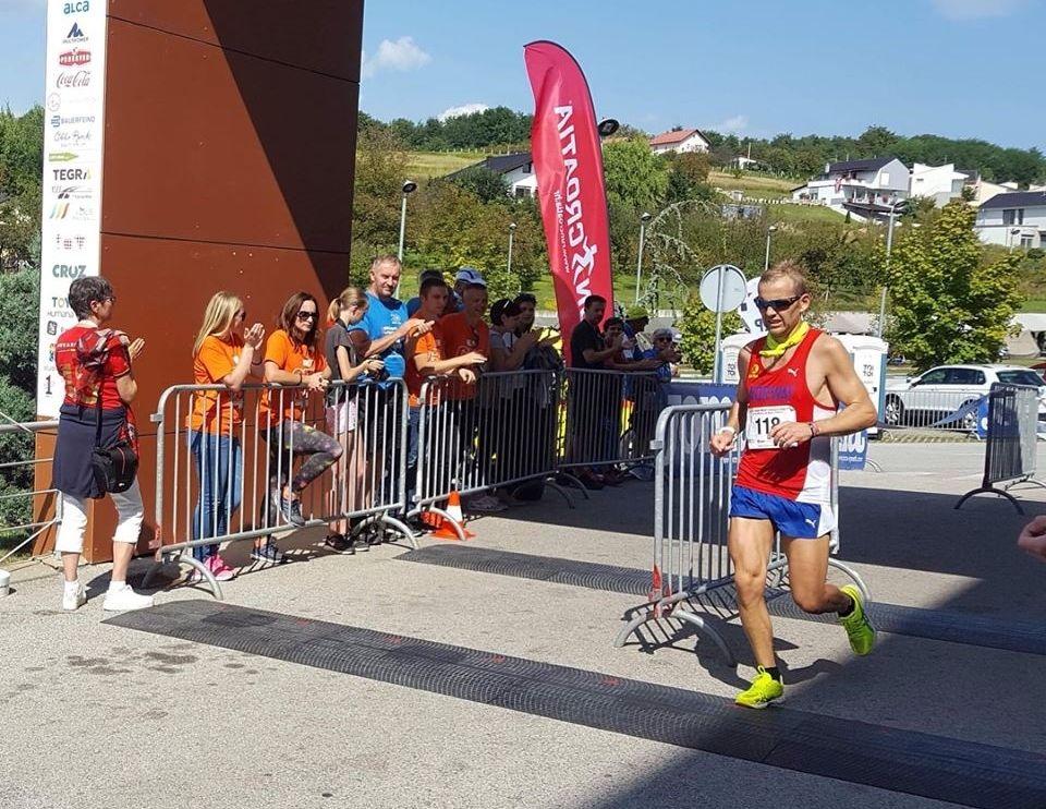 Didrik Hermansen løper inn til 15. plass i VM 100 km for andre gang på rad. (Privat foto)