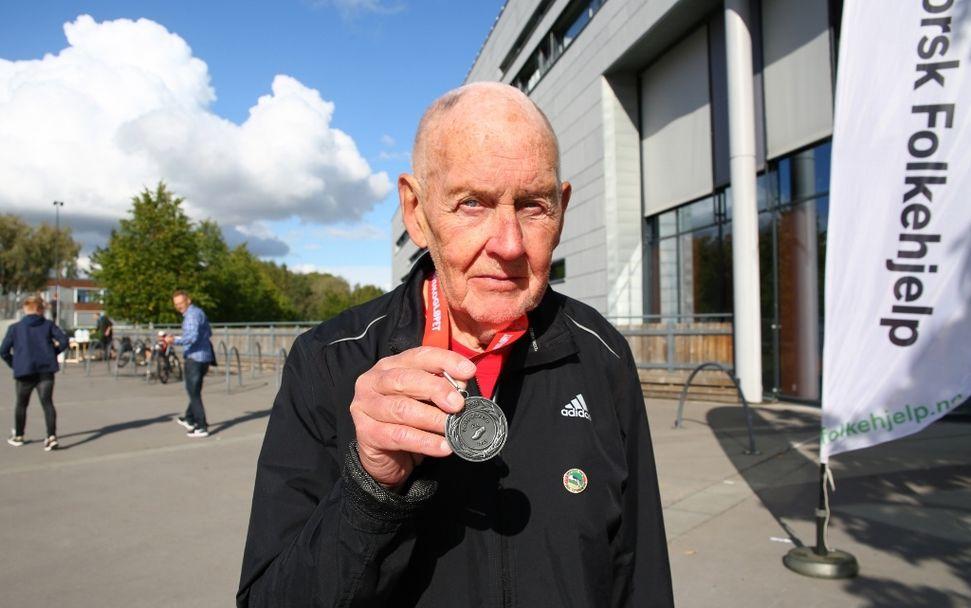 Lørenskogløpet 2018 - Olav Linde - 85 år 27 september løp 5 km (1024x641)