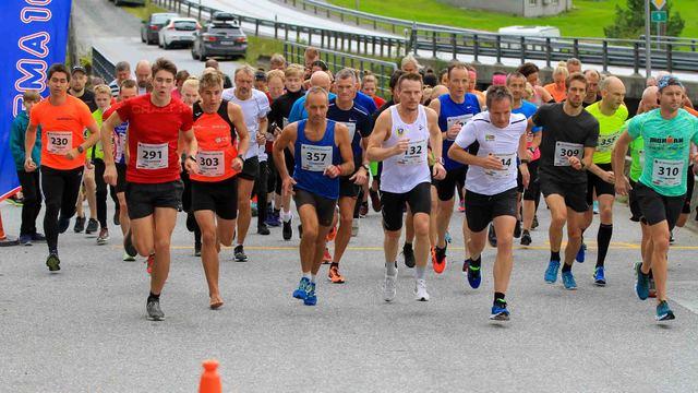 Start Halvm., 10 km og 5 km.jpg