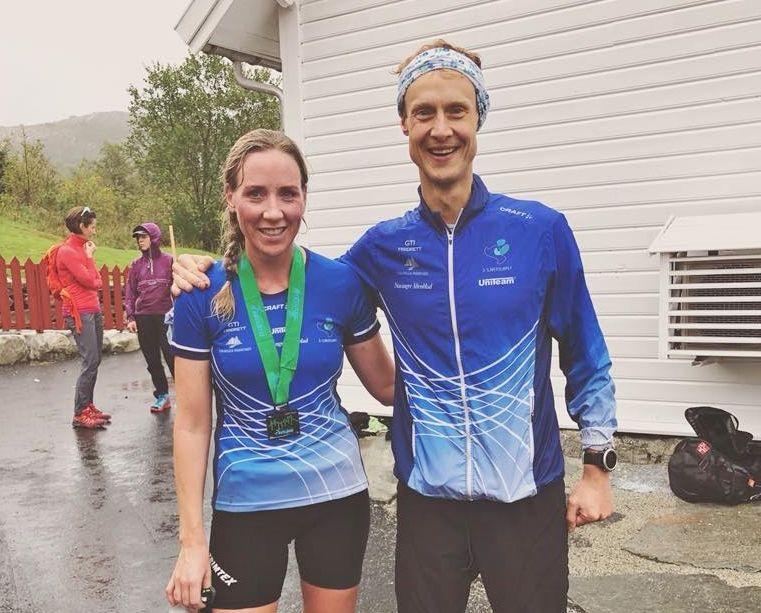 Raskeste løper i 7-nutsløpet, Tom Erik Halvorsen, sammen med en annen GTI'er, Silje Syvertsen som var nummer 5 i kvinneklassen. (Foto lånt med tillatelse fra Siljes facebookside)