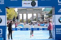Da Eliud Kipchoge satte verdensrekorden på maraton på 2.01.39, hadde han 1.01.06 på første halvmaraton og 1.00.33 på andre. (Foto: SCC Events / Victah Sailer)