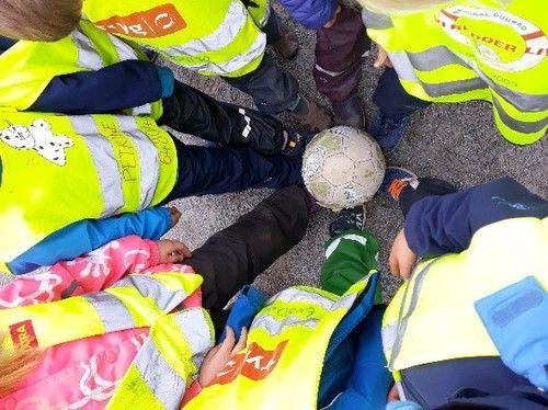 Fotball-cup og heiarop