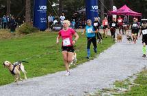 Marte Kjøren og Lykke dro ifra fra start ved gamle Hamar Camping ved Jernbanemuséeet.