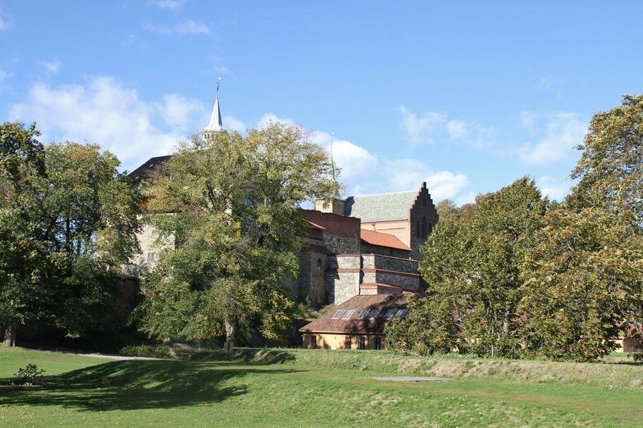 IMG_2678_Akershus_slott_og_rundingsbøye (1024x683)