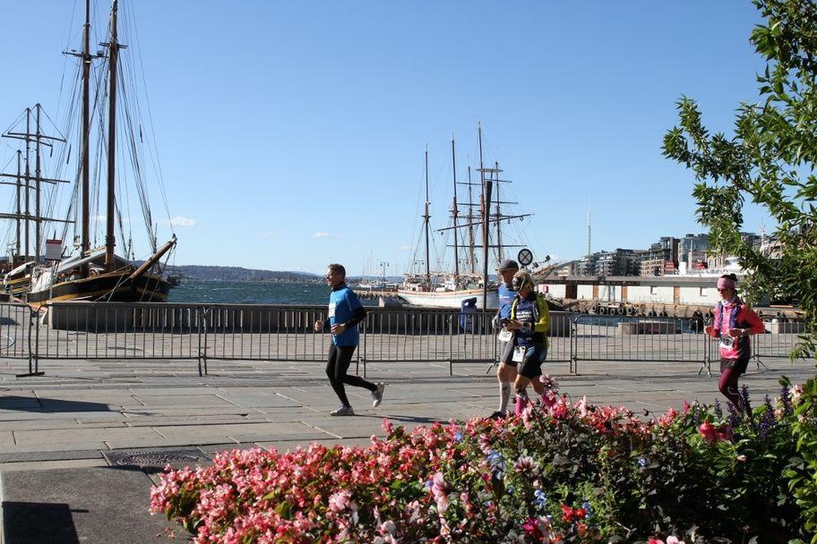 Løpere_og_seilskuter (1024x683)