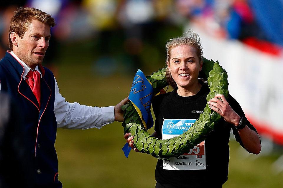 Debutant: Kristine Eikrem Engeset hadde aldri løpt lengre enn 10 km. Likevel vant hun 15 km i Lidingöloppet i et tøft felt. (Foto: arrangøren/Peter Hermansson)