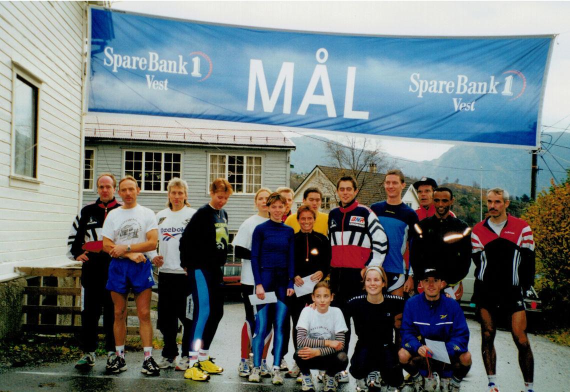 Startfeltet for det 1. løpet tilbake i 1999. Foto :  Vidar Simmenes