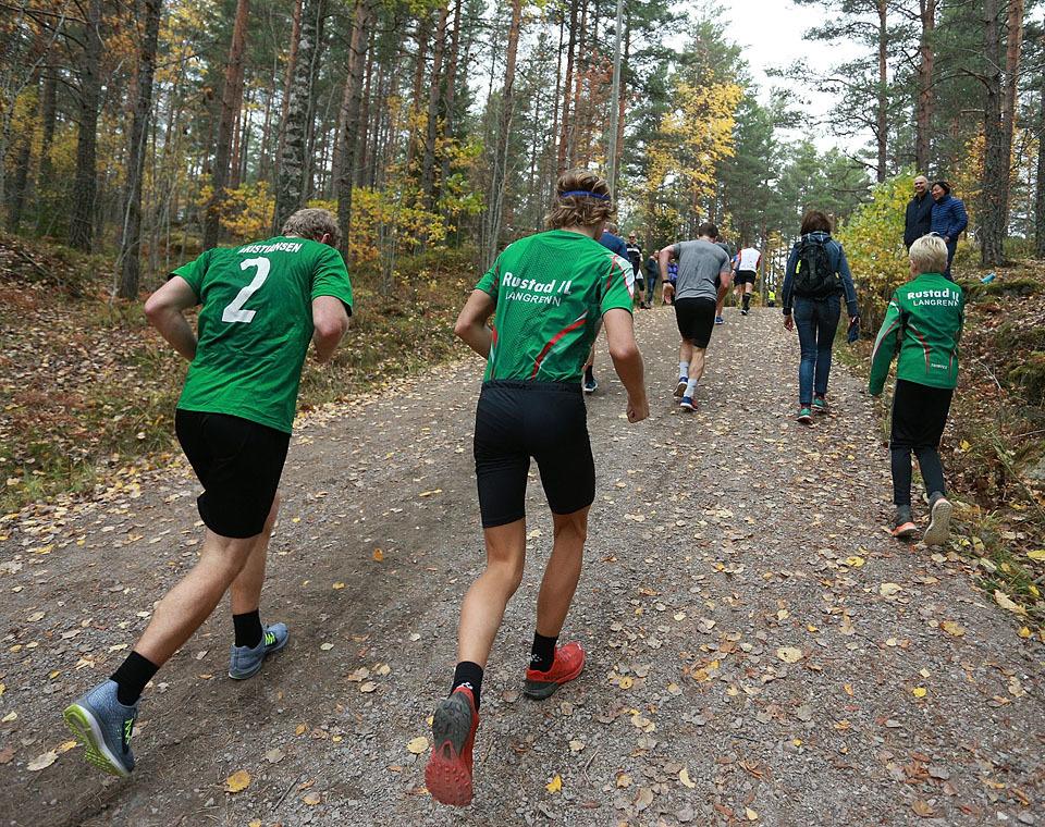 10km_mot_toppen_bakfra_960_AZ3T3465.jpg