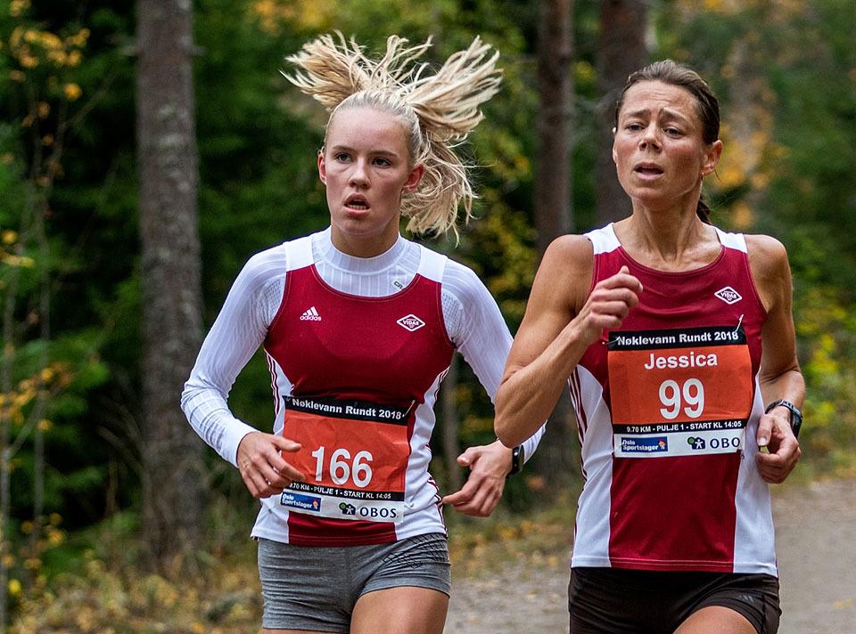10km_Pernille_Antonsen_Jessice_Gunnarsson_side_ved_side_Foto_Sylvai_Catz.jpg
