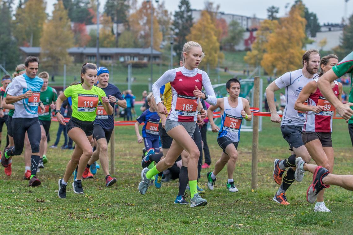 Fra starten på 10 km. (Foto: Ole Arne Schlytter)