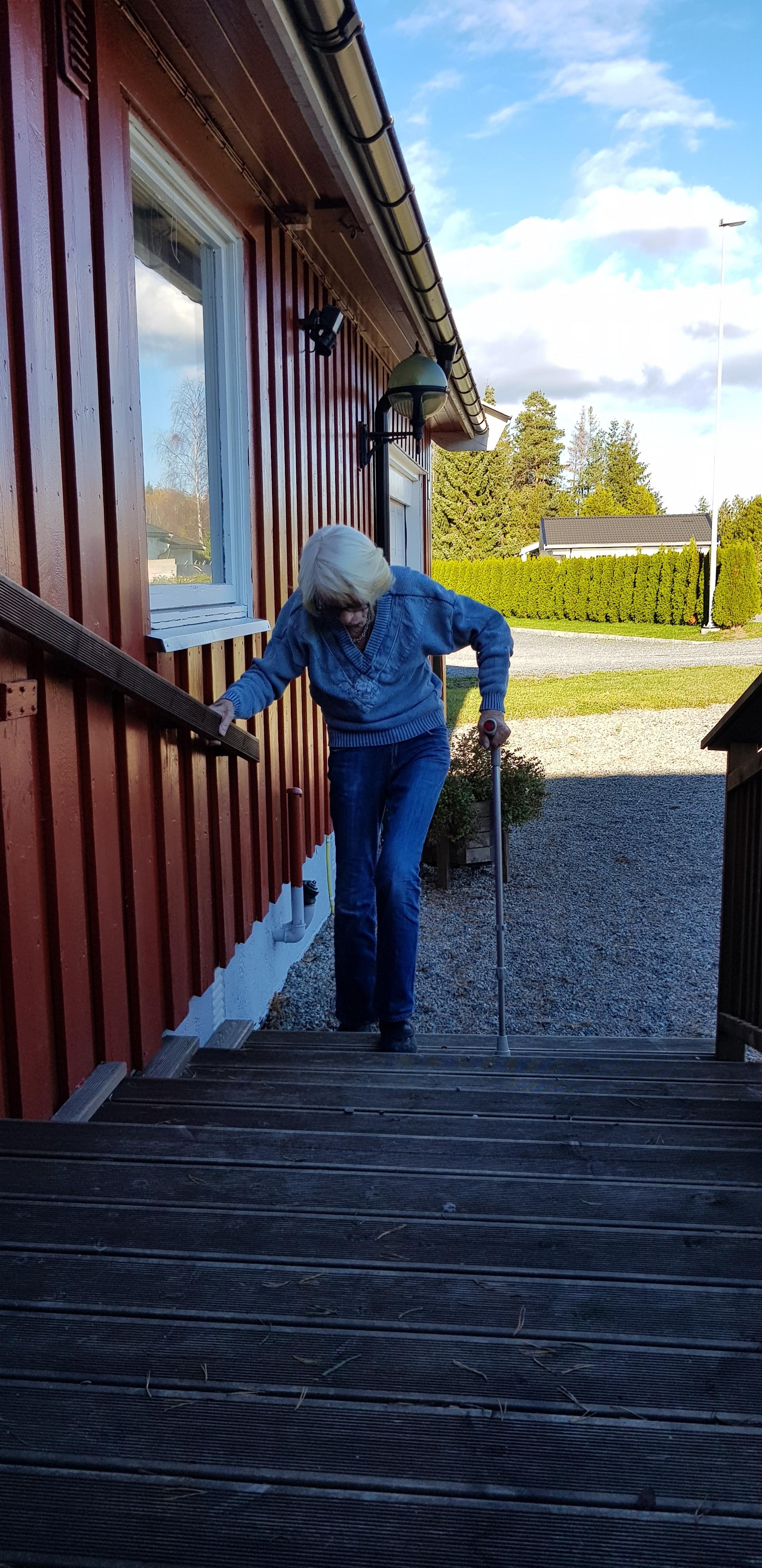 Åse trener i trappa.jpg