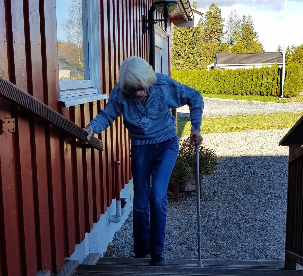 Åse i trappa_2