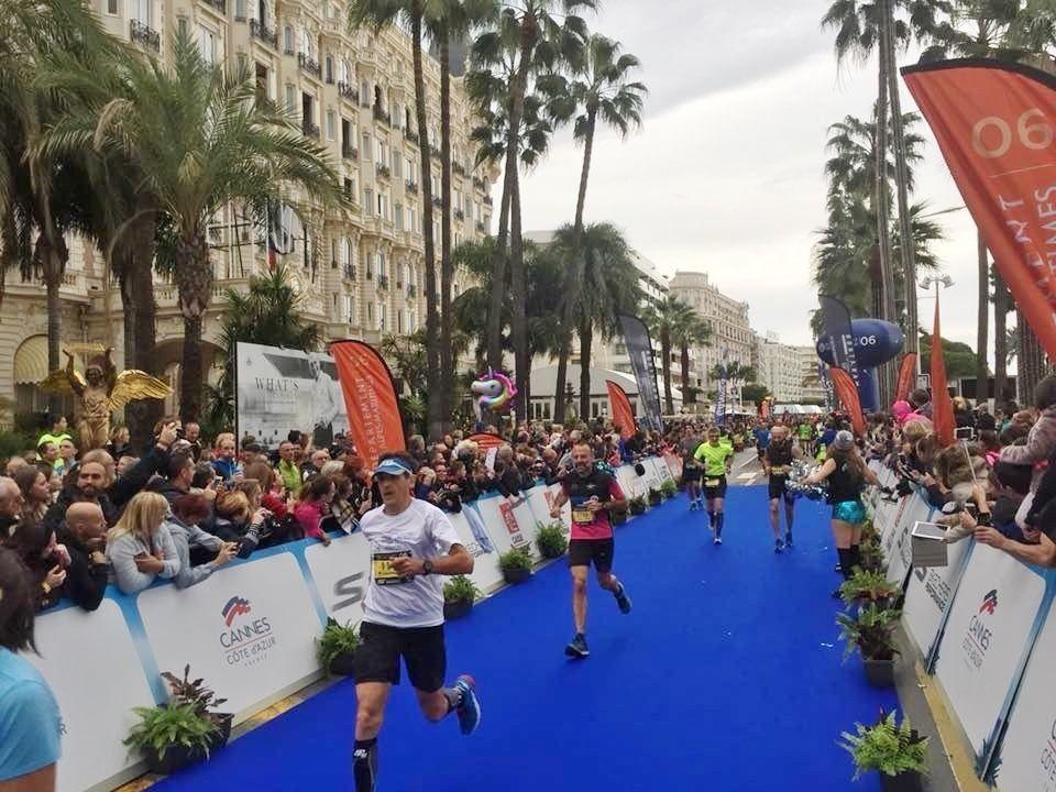 Fra Marathon des Alpes-Maritimes som har start i Nice og målgang i filmfestivalbyen Cannes (Arrangørfoto)