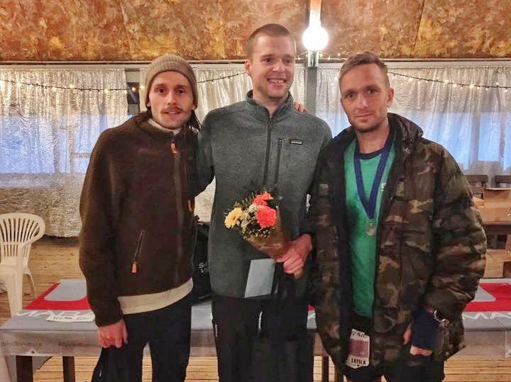 De tre raskeste på 82 km, Patrick Stangby (2), Ola Skatvedt (vinner) og Voktor Samuelsson (3). Arrangørfoto