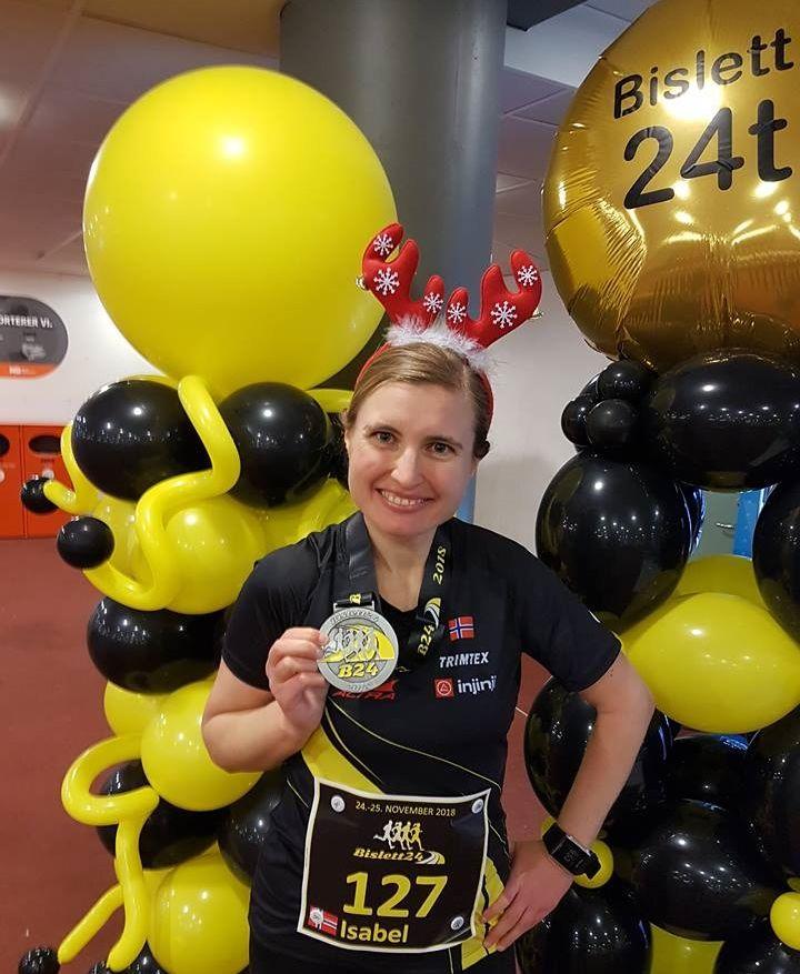 Isabel Aarnes, stolt innehaver av prestasjonsmedaljen etter Bislett 24-timers.