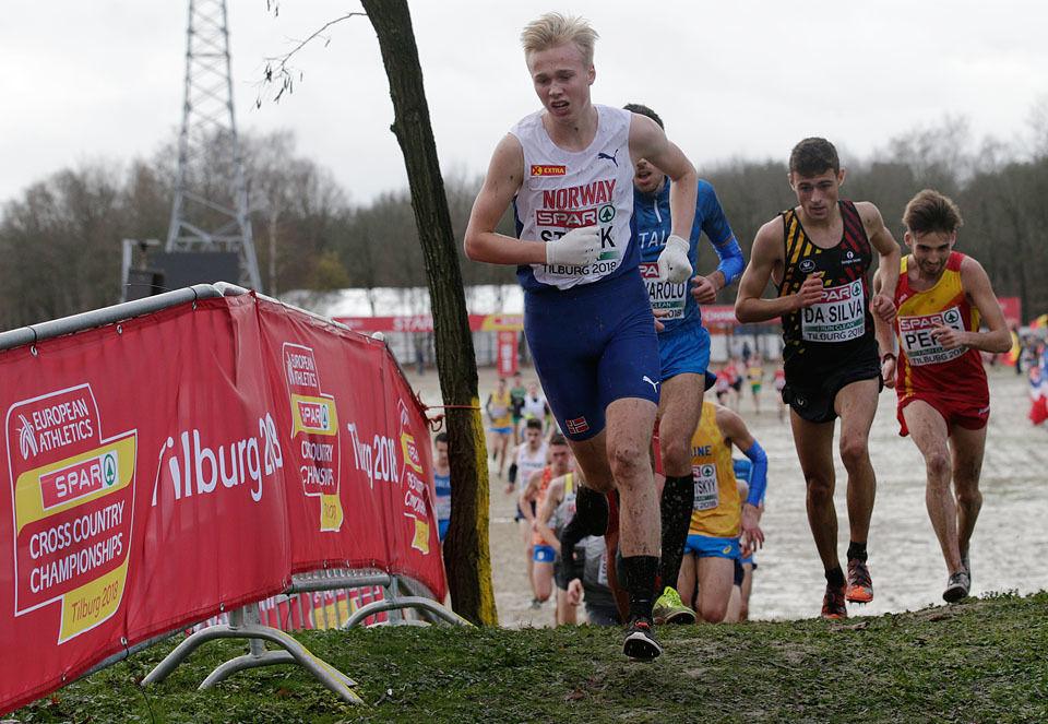 Veteran: Håkon Stavik er den mest rutinerte av de norske deltakerne og har allerede to junior-EM bak seg; begge i terrengløp. I desember i fjor var han med og sikret lagseier for Norge og ble nr. 22 individuelt. (Foto: Per Inge Østmoen)
