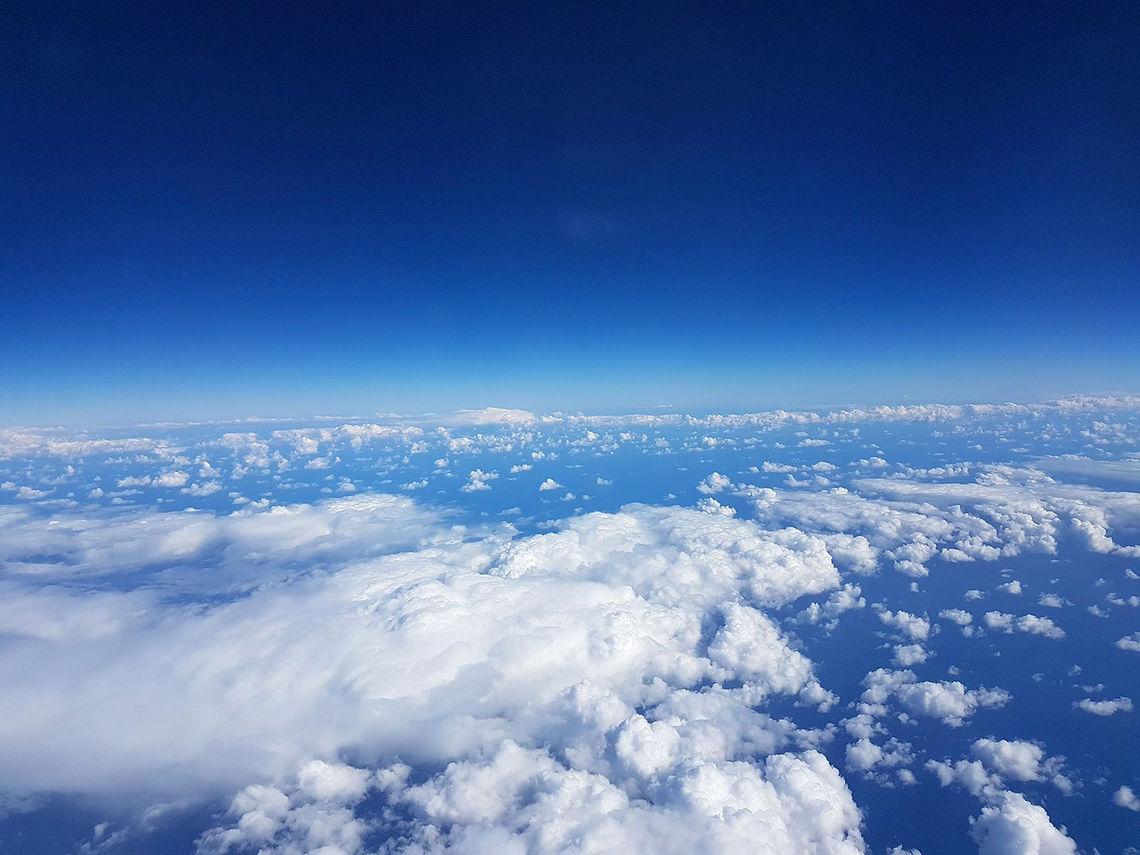 Det blir sagt at over skyene er himmelen alltid blå. (Foto: Eldbjørg D. Moxnes)