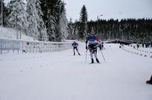 Sondre Turvoll Fossli tok spurten foran to andre raske menn på Gåsbu torsdag. (Foto: Stein Arne Negård)