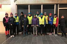 Hele 14 løpere møtte sprekt opp til den første treninga på Gran!