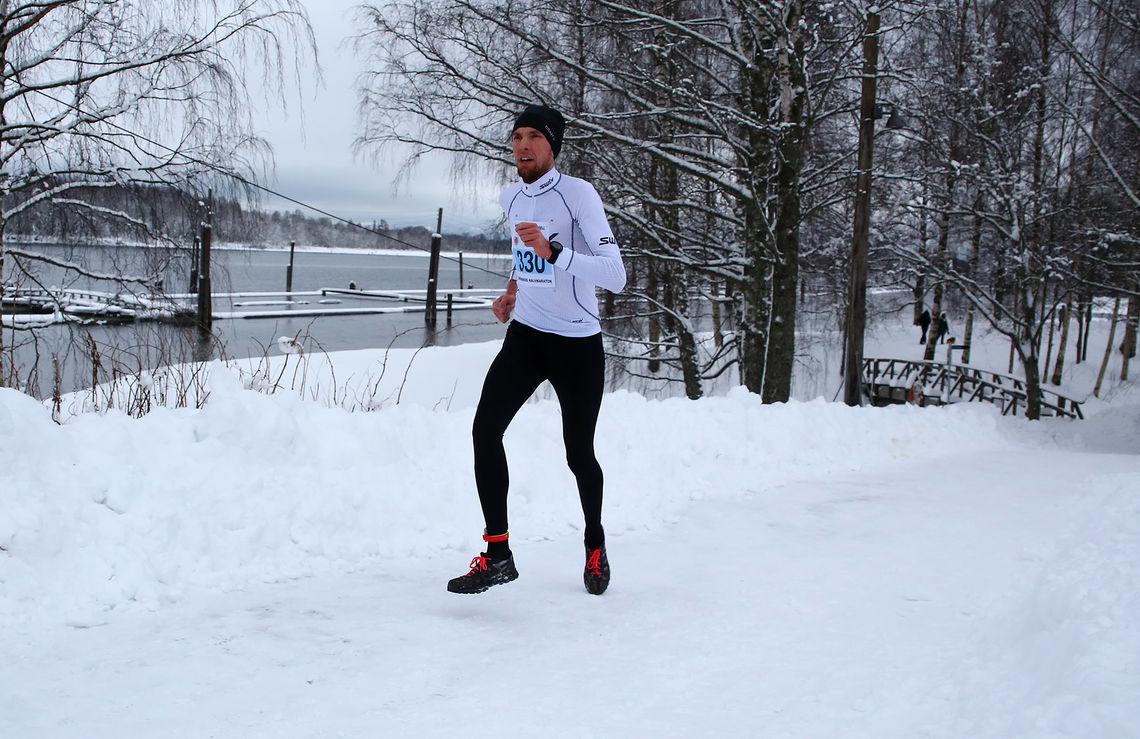Magnus Salberg etter 6 km i samme løype i fjorårets løp. Da kom han på 4. plass, men denne gangen vant han. (Foto: Bjørn Hytjanstorp)