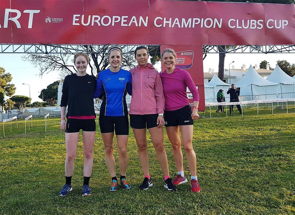 Bertine-Helene Færø, Kristine Fjellanger, Christina Ellefsen Hopland og Hilde Fenne utgjorde Varegg-laget i E-cupen i terrengløp for klubblag. (Foto: Karl-Magnus Tobiassen)