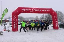 Fra starten på begge distanser samlet. 539 er Jonas Haaberg Bolgen som vant 5,4 km mens 62 er Frank Christoffersen som vant 10 km. (Foto: Erland Eldrup)
