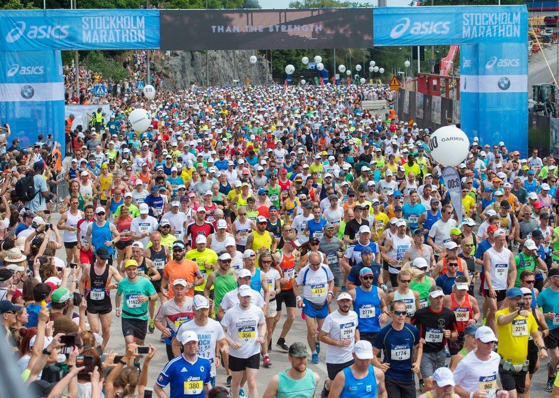 Fra starten i Stockholm Marathon 2018. (Arrangørfoto)