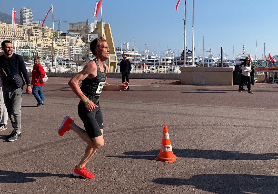Sondre Nordstad Moen spurter inn til norsk rekord på 5 km i Monaco. (Foto: Mikkel Gisle Johnsen)