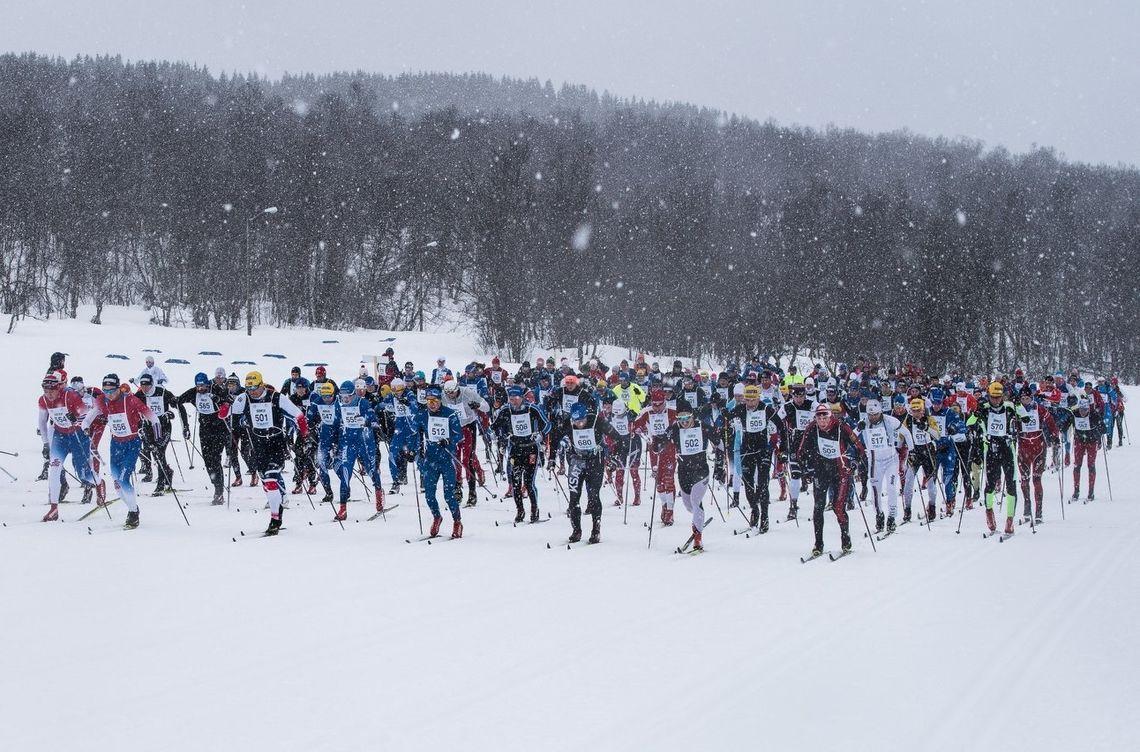 Fra starten på årets skimaraton i Tromsø. (Arrangørfoto)