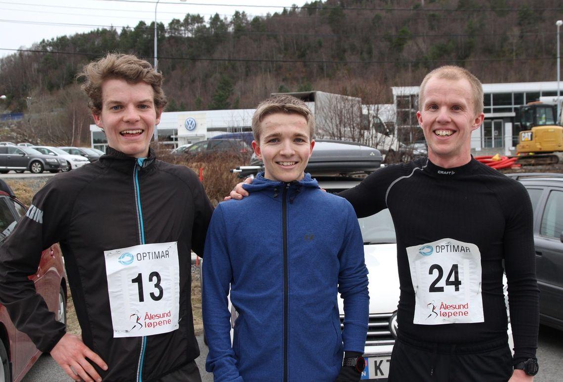 De tre beste på 5 km i Ålesund vinterkarusell løp nr.5. Fra venstre, Jonas Hesthaug, Ludvik Markussen Ytterdal og Steffen André Kråkenes. Foto: Sigbjørn Lerstad