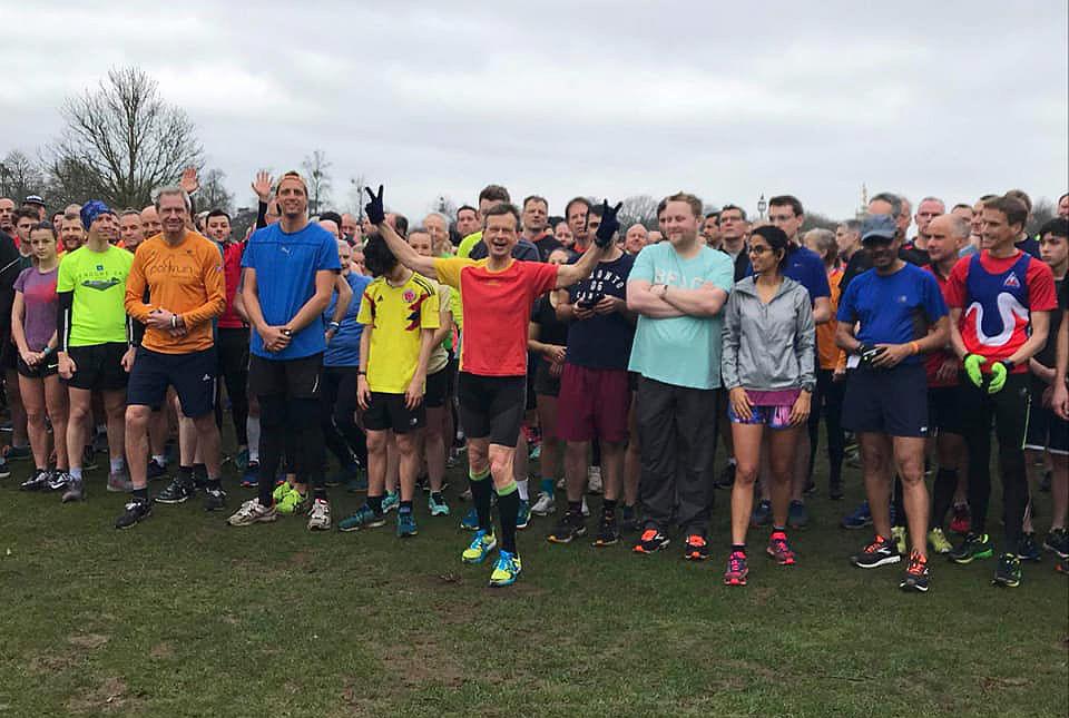 Det var 1430 deltaere i Bushy Parkrun utenfor London. Christian Prestegård (i midten) var en av dem. (foto: Emma Wingate, Bushy Parkrun)