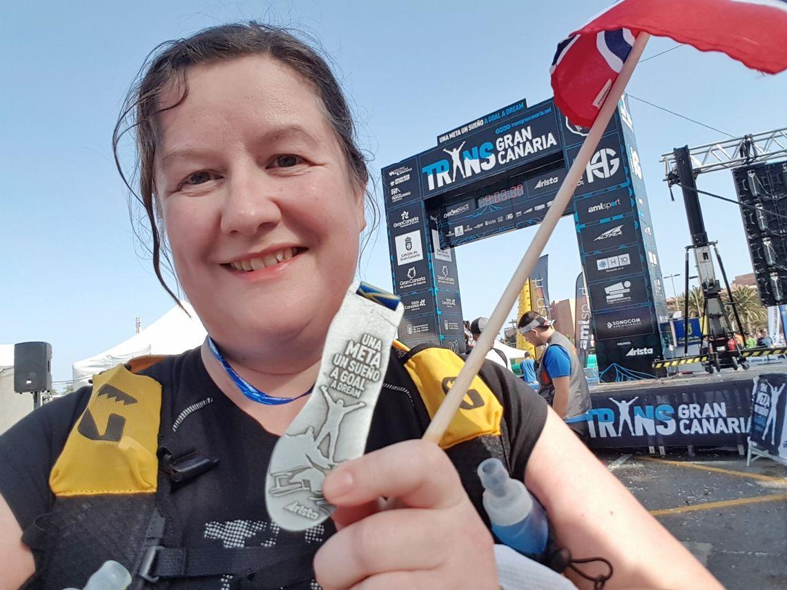 Siri Vaggen Kanedal, stolt og fornøyd med medaljen fra Transgrancanaria.