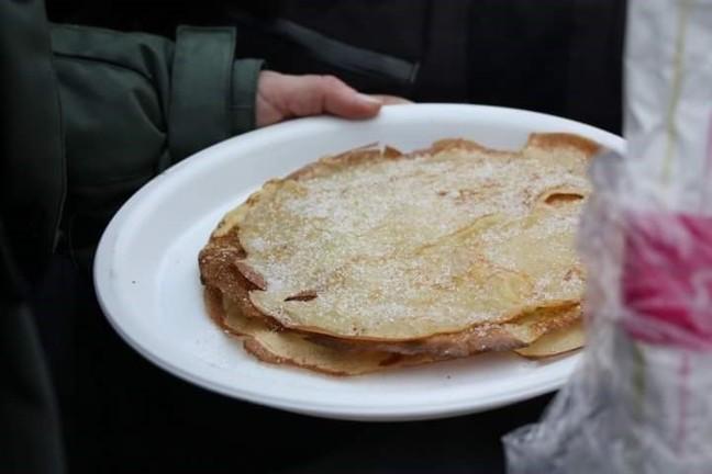 pannekaker stek tpå bål_648x432.jpg