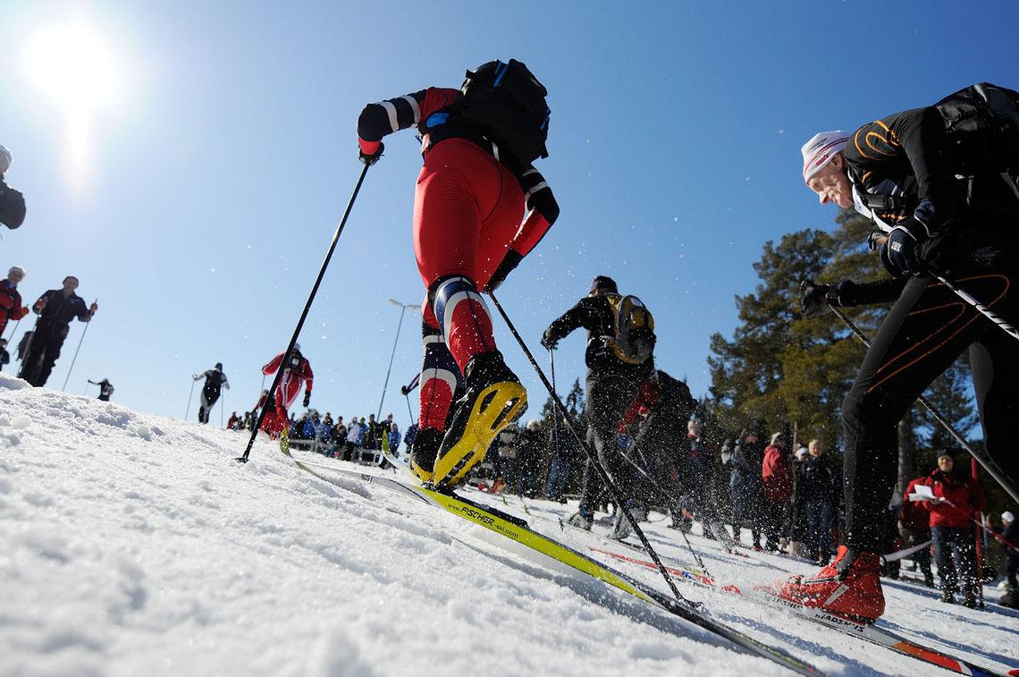 Det kan være vanskelig å smøre ski under Birkebeinerrennet siden både temperatur og føre kan variere ganske mye underveis. (Foto: Bjørn Johannessen)