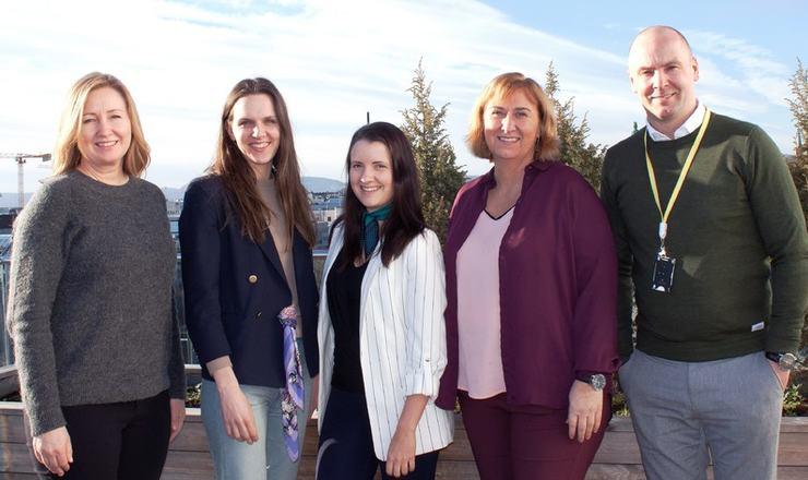 Fra venstre Anne Birgit Ro, Kristina Dorothea Drivdal, Angeliqa Axelsson, Christine Langbråthen og Michael Sund.