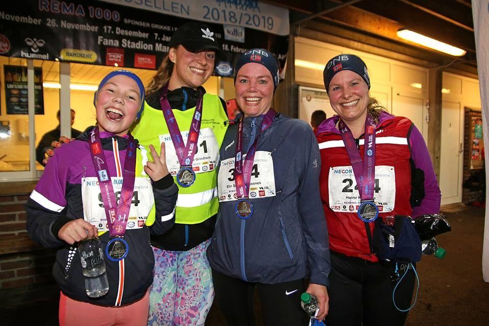 Klart for medaljeutdeling under Vinterkarusellen. Foto :Arne Dag Myking