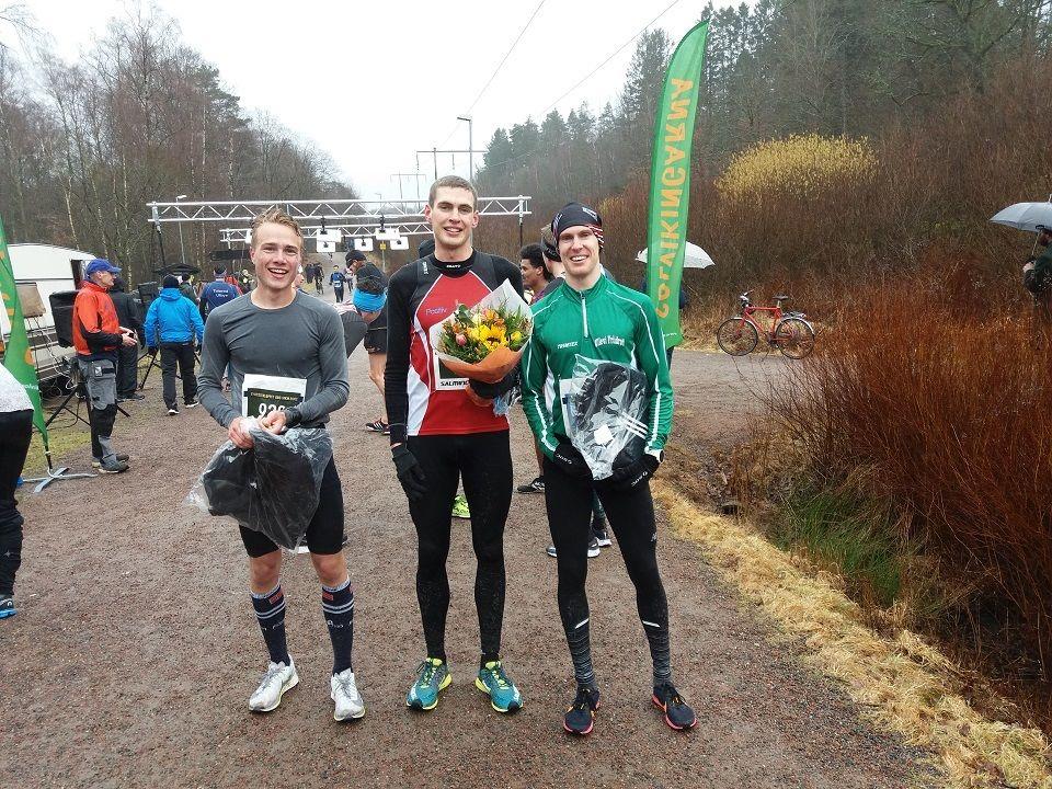Norske Kasper Fosser (til venstre) kom på 2. plass i første del av Vårtävlingarna som gikk i Göteborg denne helgen (Foto: Vårtävlingarna/solvikingarna.se)