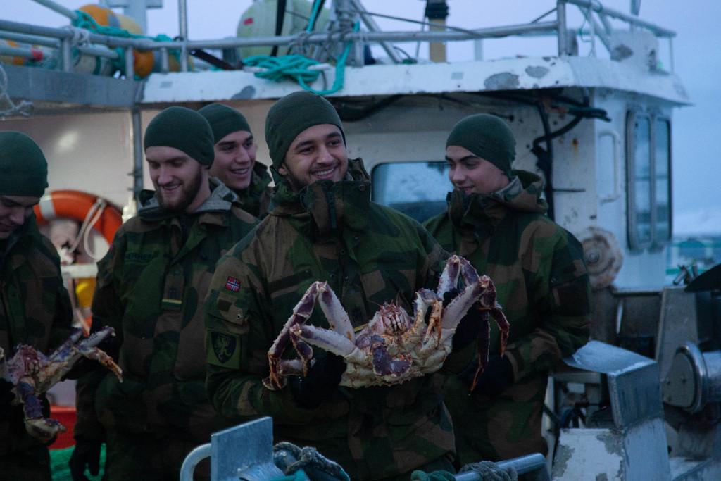 soldater med krabbe.jpg