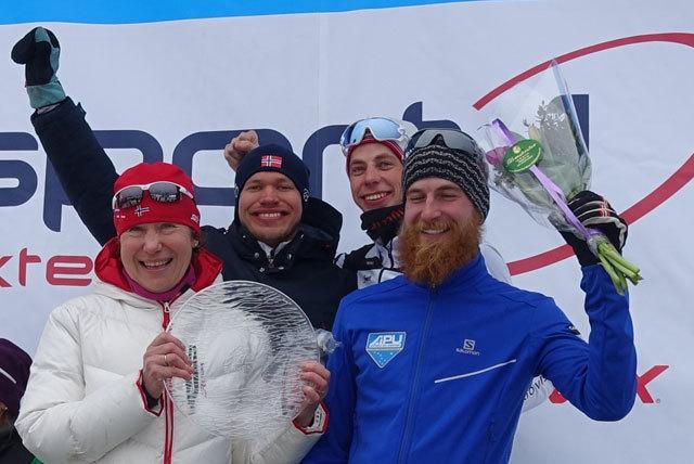 DSC09503-House-og-Skiers.jpg